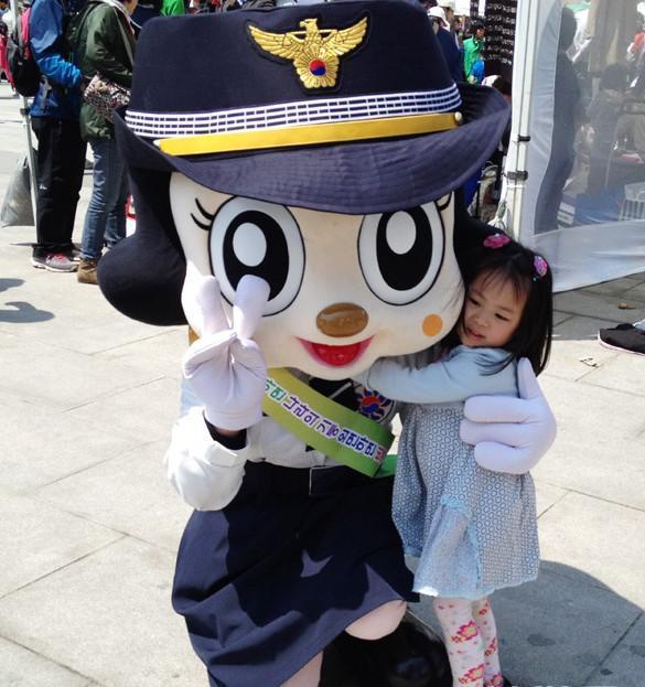 """韩国小朋友独特的""""儿童节"""""""